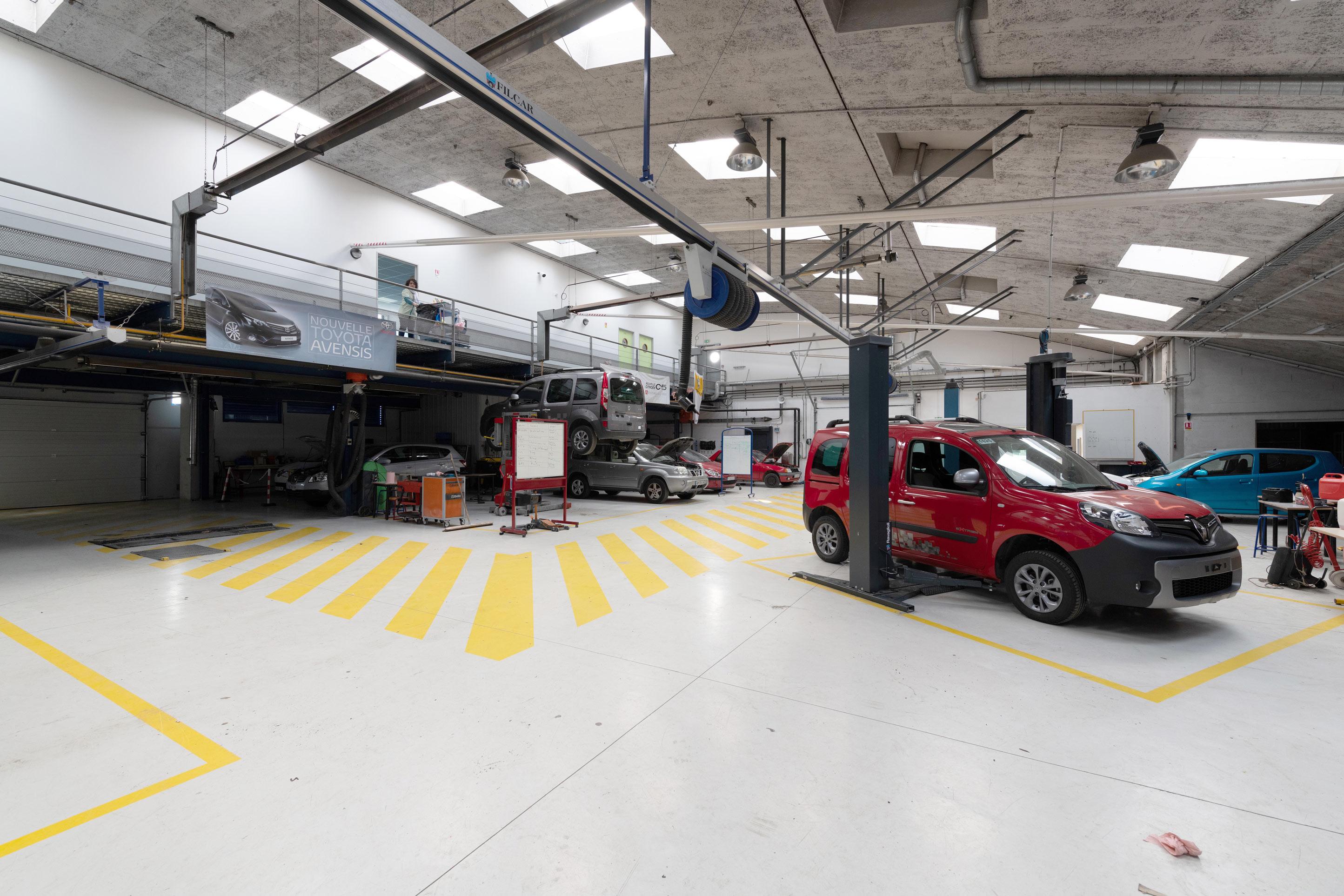 Atelier maintenance véhicules